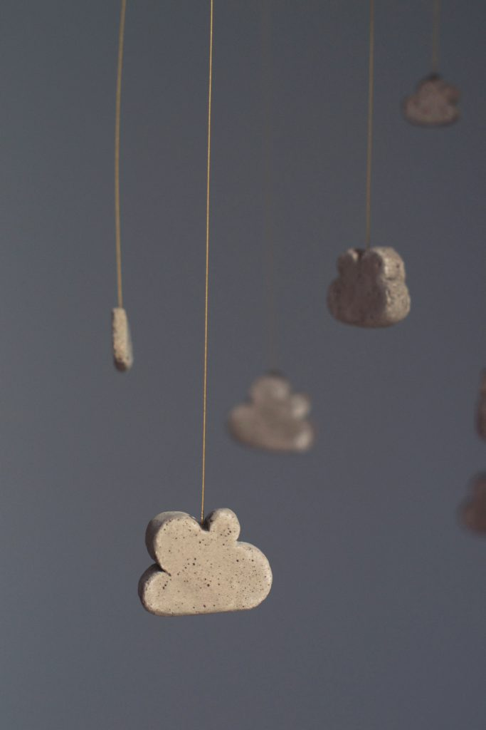 DIY Concrete Cloud Mobile | HungryHeart.se