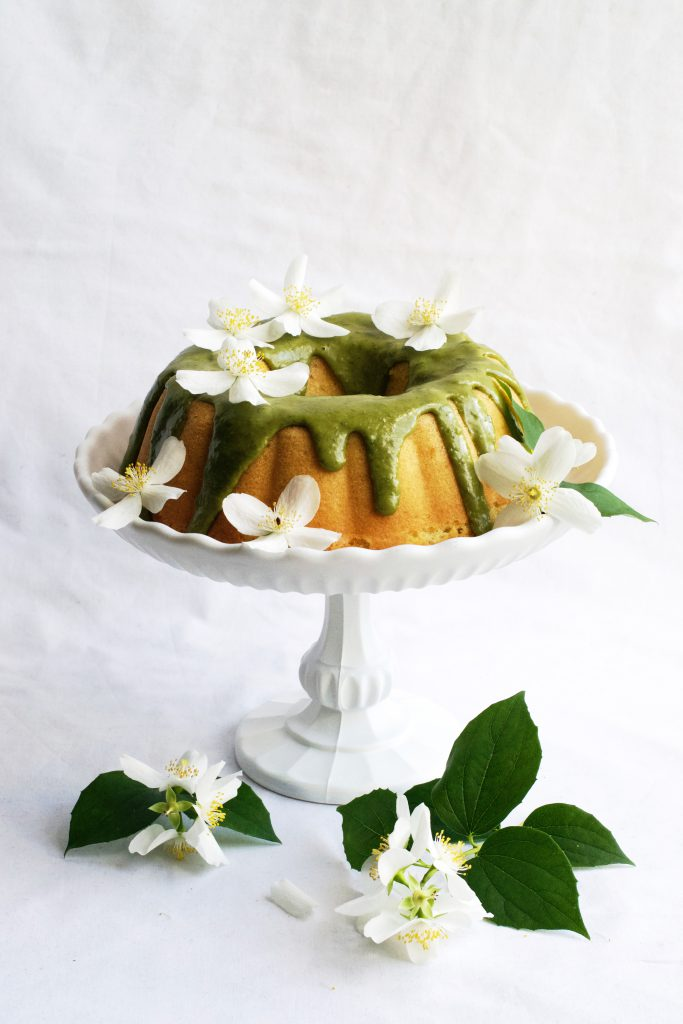 Lemon Bundt Cake with Basil Glaze Recipe | HungryHeart.se