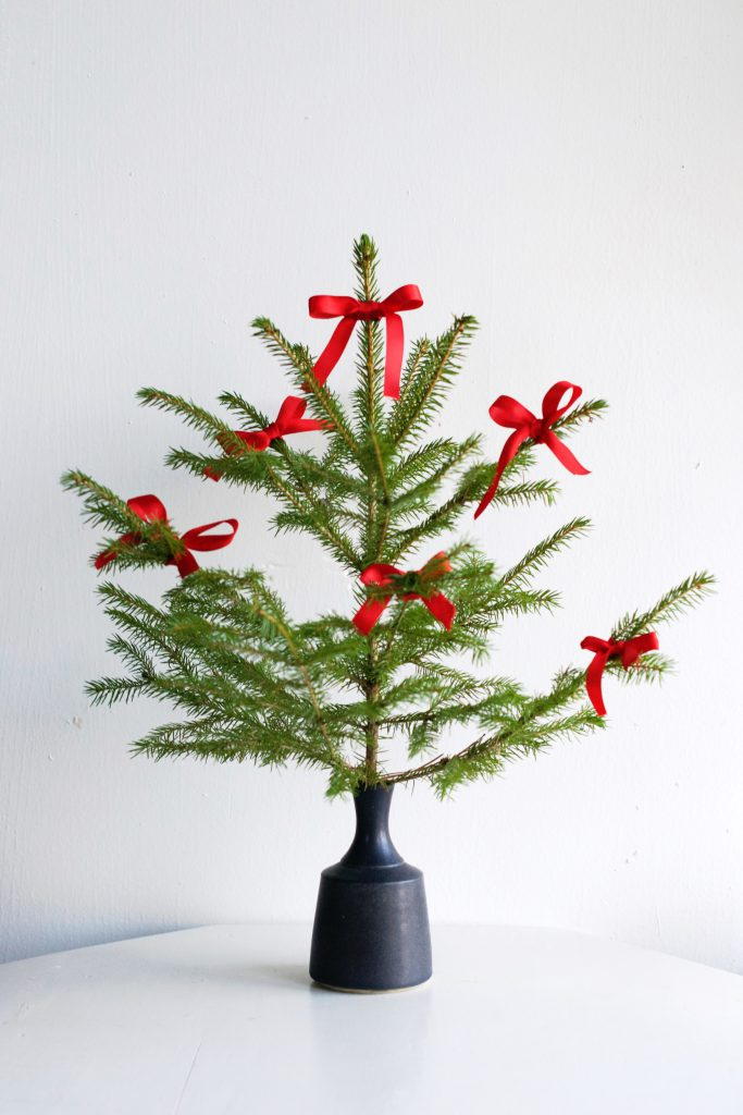 Mini Christmas Tree with Bows | Hungry Heart